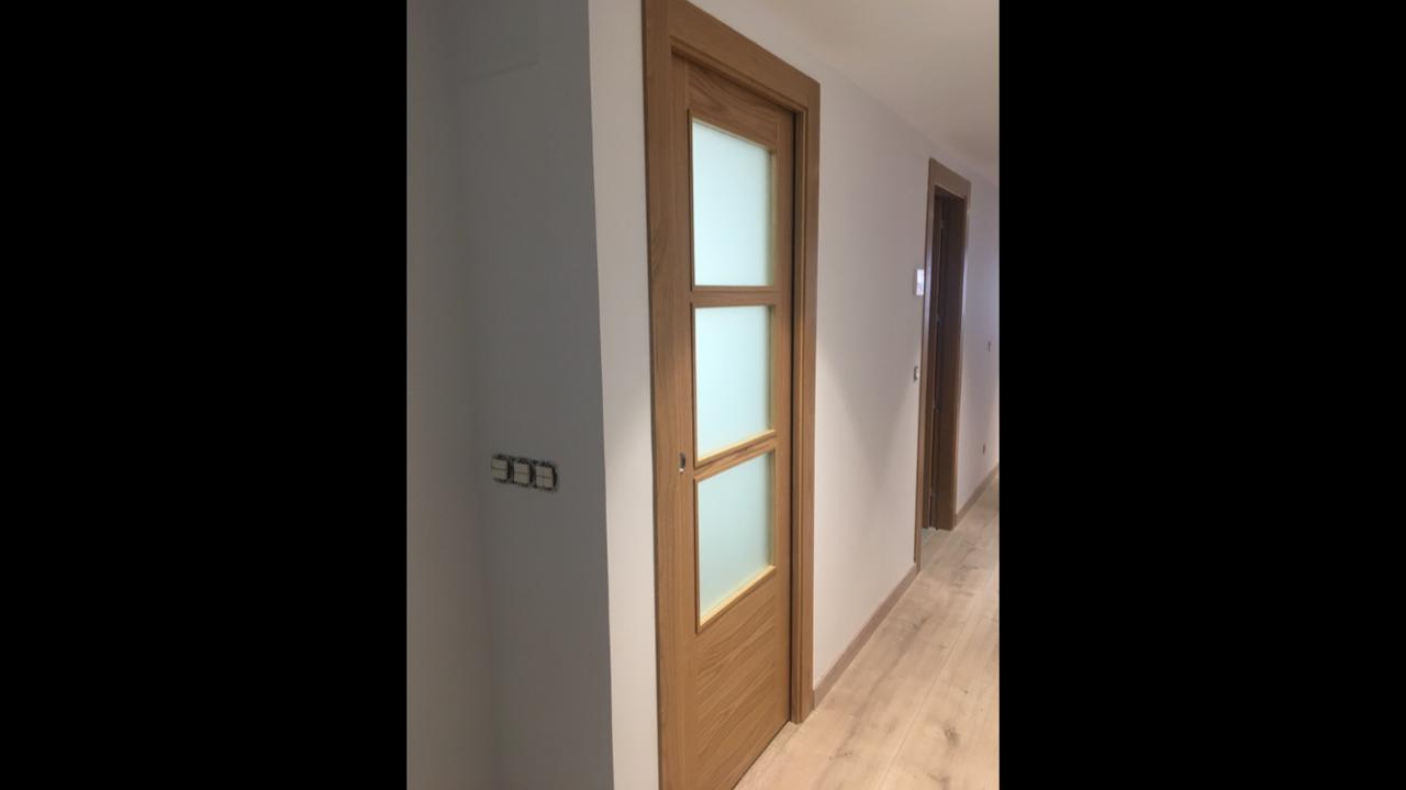 Puertas de madera con cristal puertas cristal puertas - Puertas de madera y cristal ...